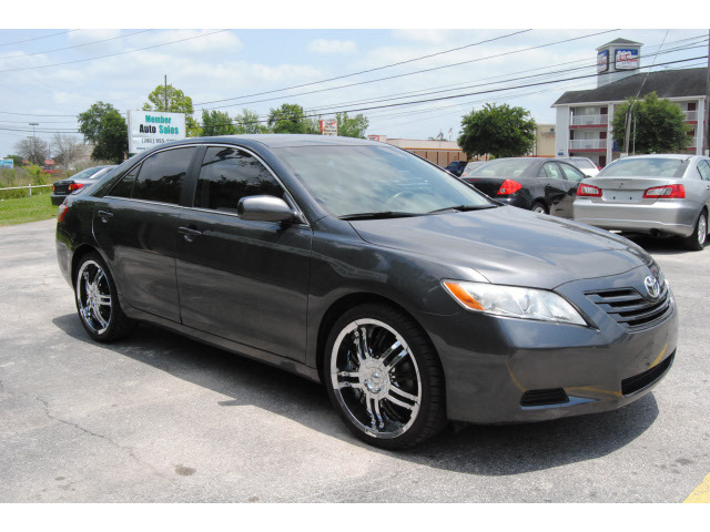 Toyota-Camry-2009-Dk--Gray-Sedan-LE-Gasoline-4-Cylinders-Front-Wheel-Drive-Automatic-77070-1