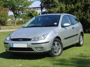 800px-Ford_Focus_1-8_Zetec