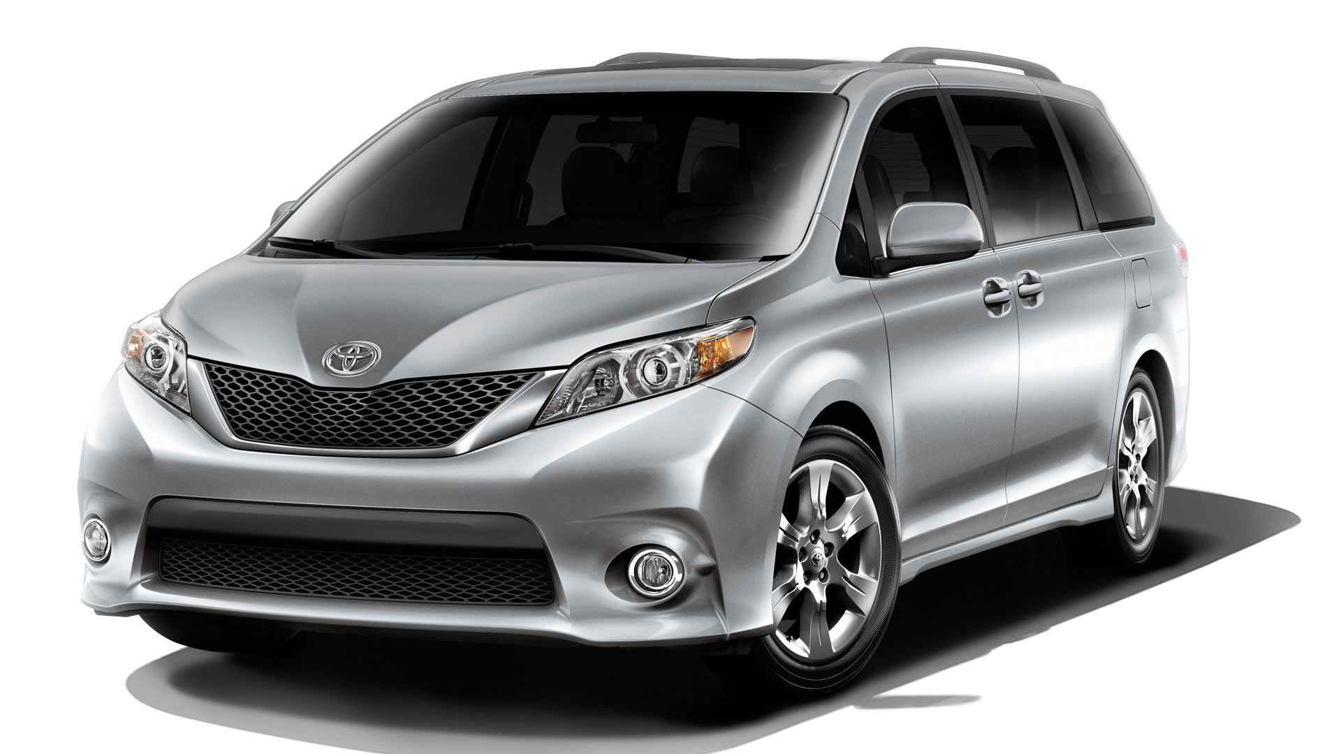 sienna-silver-front-quarter-view