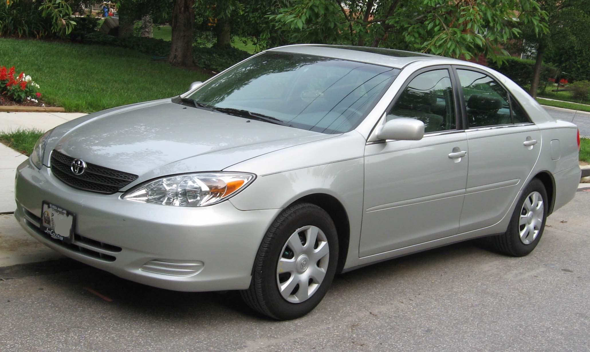 2002-2004_Toyota_Camry_1
